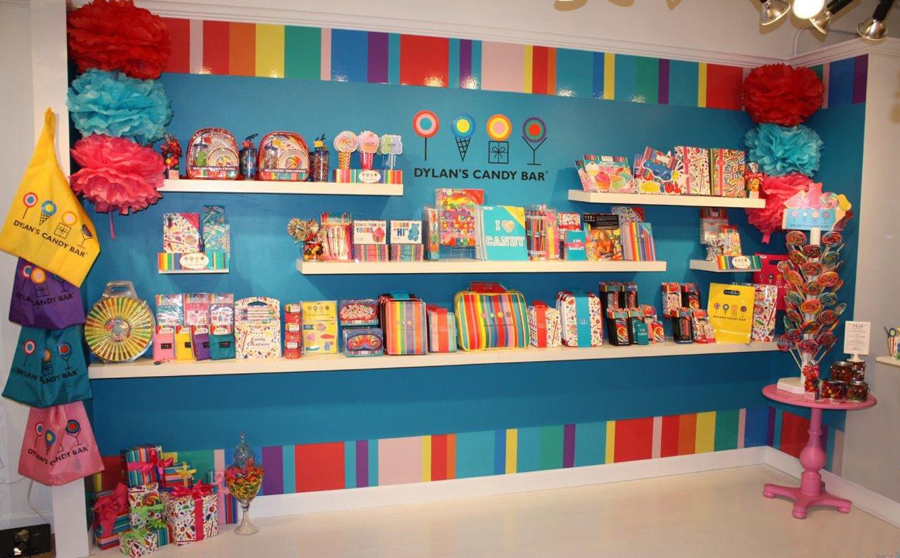 Dylans-Candy-Bar-Full-Wall-Display-Example
